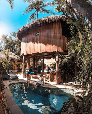 Gili Treehouses Villa Romane and Lucas