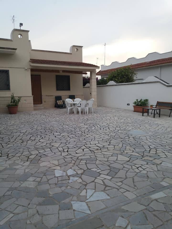 Villa MaLù a pochi passi dal mare di San pietro  B