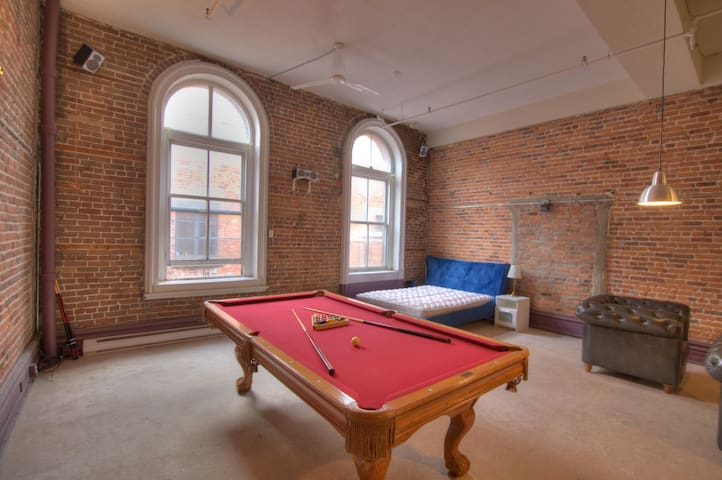 Spacious Loft in the Old Port