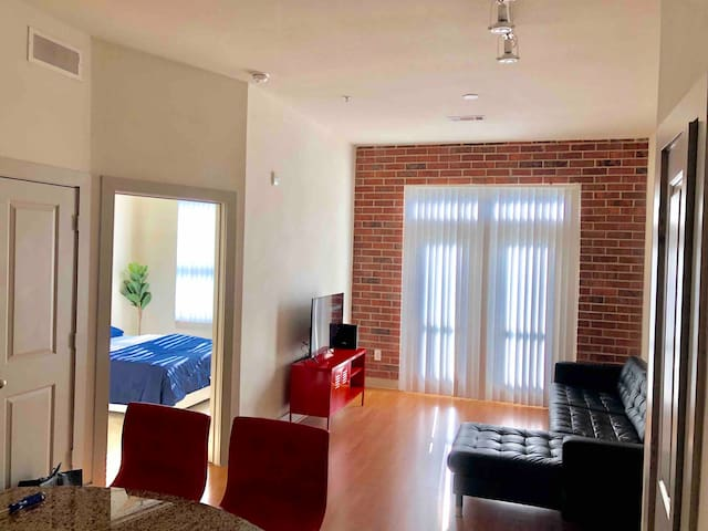 Spacious Loft | Houston's GALLERIA Area!