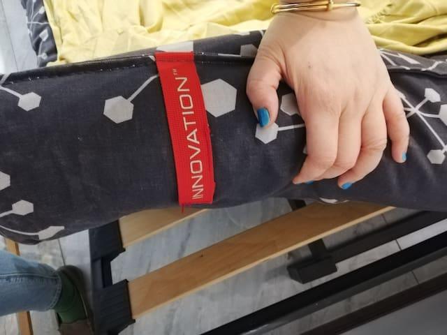 床架和垫子是用的丹麦品牌 可调节沙发床 非常棒床架和垫子是用的丹麦品牌 可调节沙发床 非常棒
