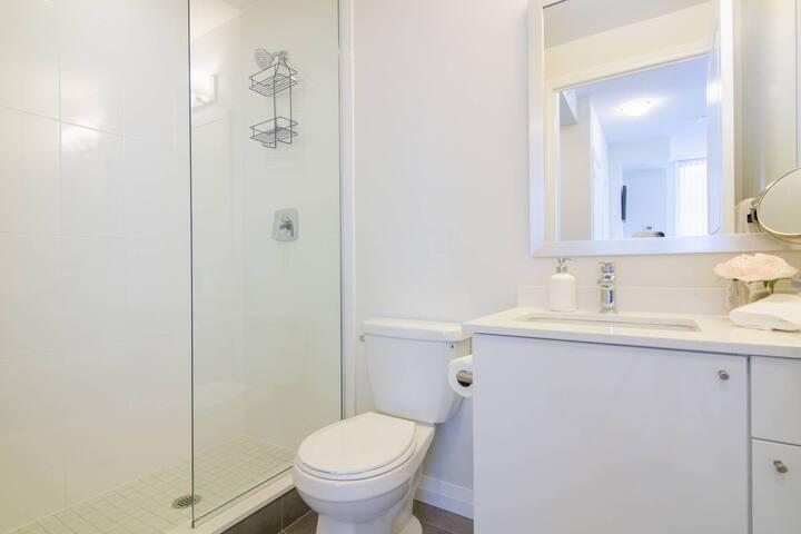 Washroom 1- 3 Piece