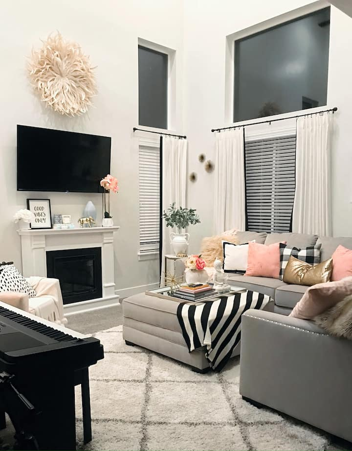 20% OFF night rate (Msg for deal!)  Cute Townhome!