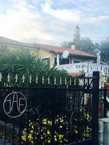 Abitazione con giardino a 4 km dal mare - Andora - House