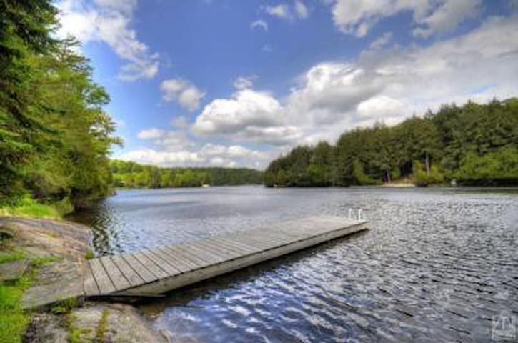 Getaway on Cameron Bay, Lake Rosseau