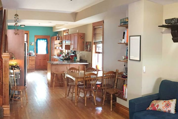 2 Bedroom-Open-layout Townhouse