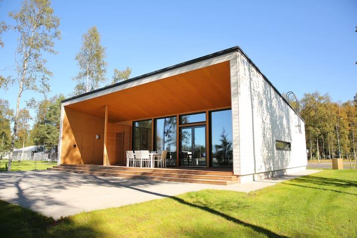 Villa Kippari lähimpänä Nallikarin rantaa / Villa Kippari closest to the Nallikari beach!