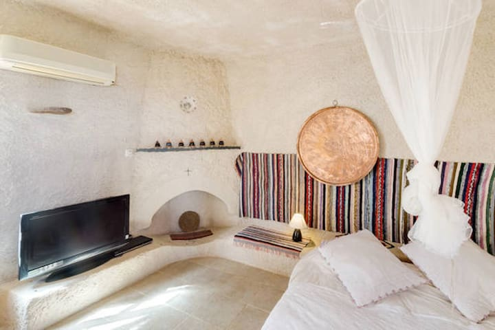 :Mesodokia Beach studio :Romantique studio :