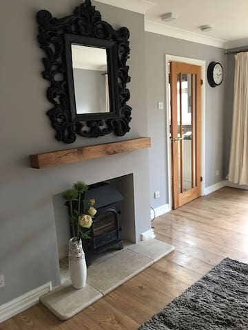 Cosy Contemporary Bungalow in Central Winchcombe