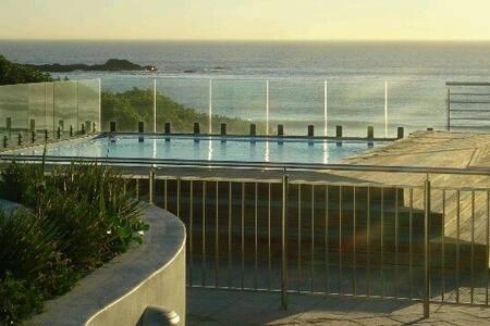 Beautiful Beachfront Accommodation - Kaapstad