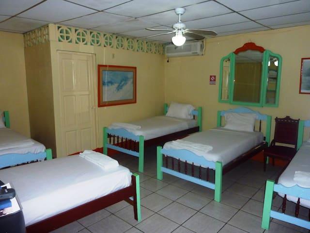 Nice,comfor,services , in Masaya - Masaya - Bed & Breakfast