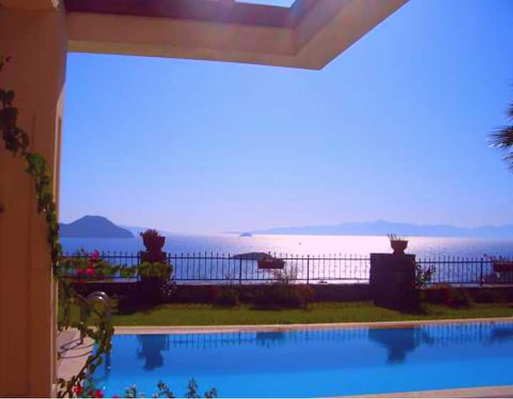 Aegean Sunset Villa