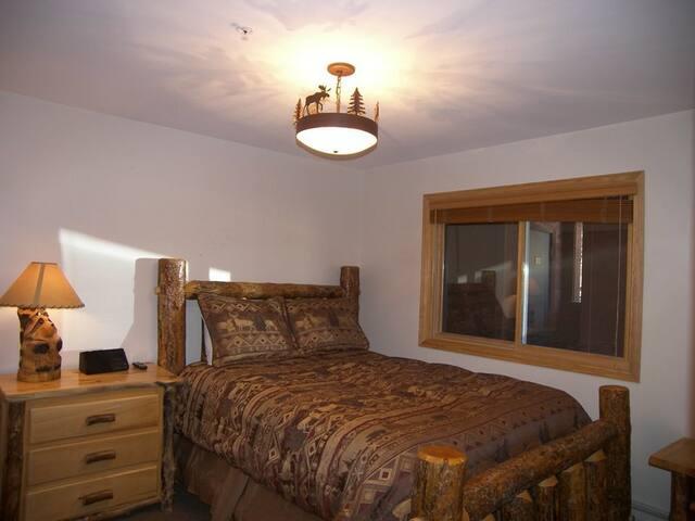 CRJD · Cinnamon Ridge III 2 Bed 2 Ba
