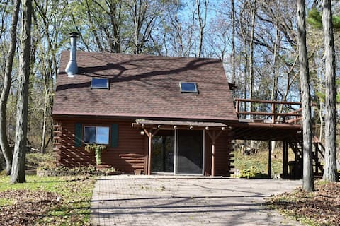"Log Cabin on Lake Koshkonong - ""The Overlook"""