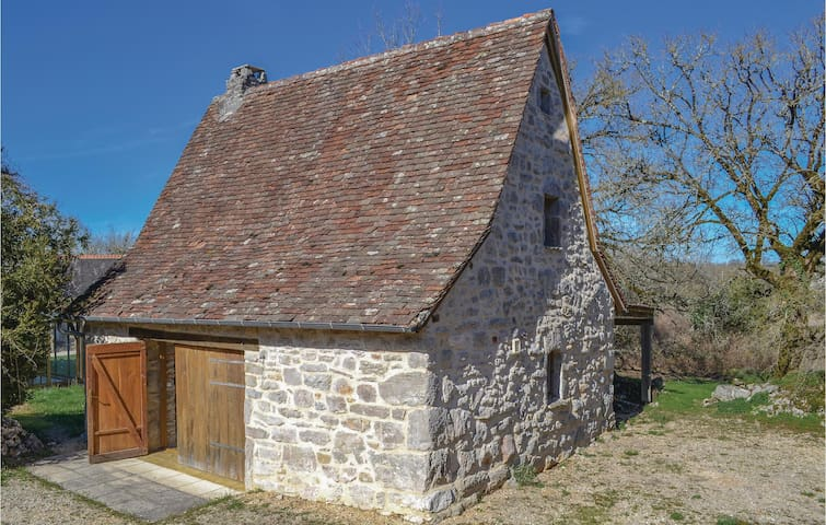 Holiday cottage with 1 bedroom on 45m² in Padirac