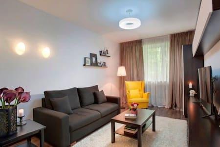 2-х комнатная, ул. Утепова 21а, 83-01041 - Almaty - Apartment