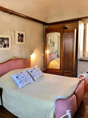Camera in appartamento pieno centro storico