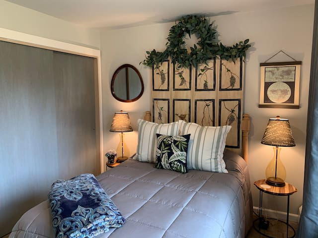 Third Bedroom- Full Size Bed