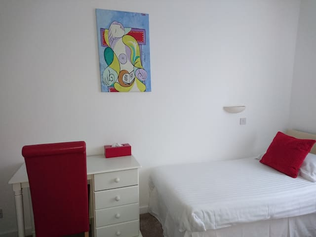 St Helier, single room, studio