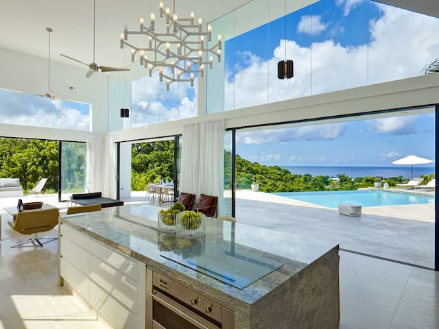 Atelier House - Ideal for Couples and Families, Beautiful Pool and Beach - Lower Carleton