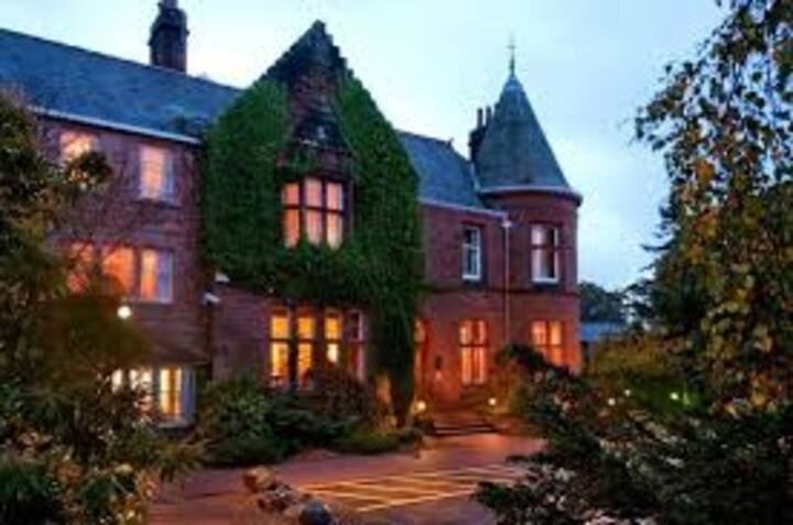Cragendarroch Lodge