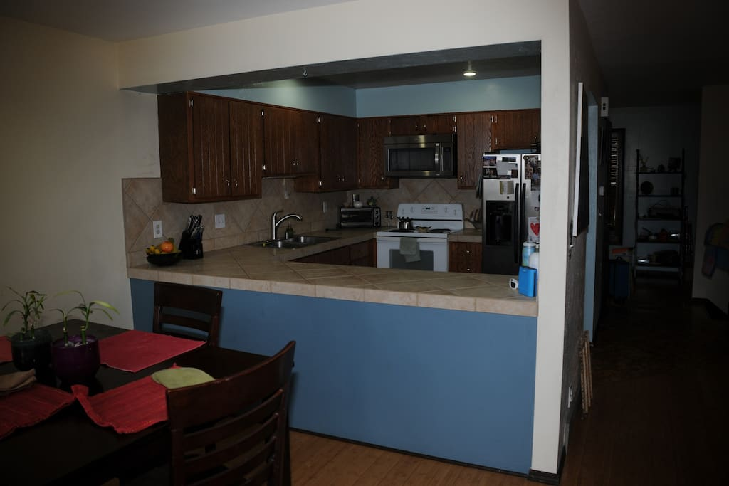 Pass through from kitchen to dining area