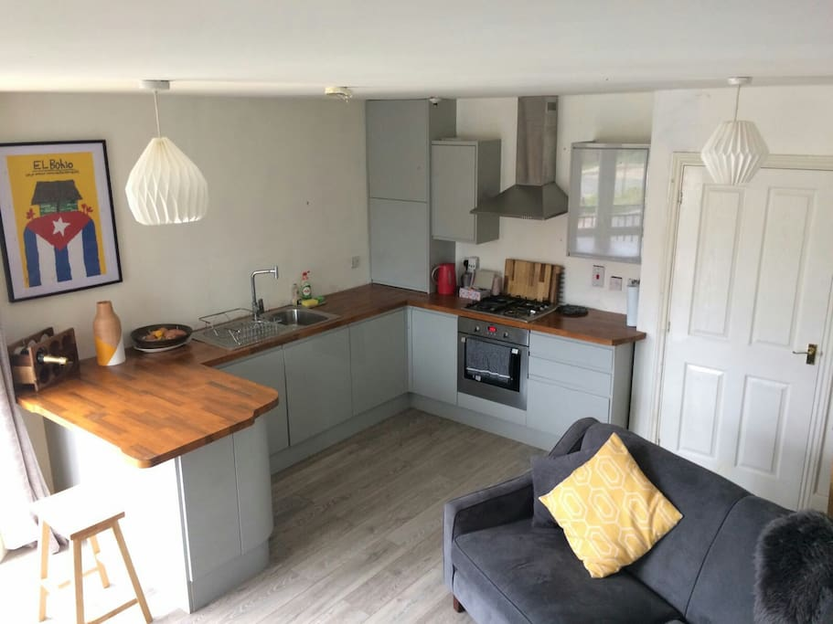Modern one bedroom apartment with juliette balcony flats for rent in birmingham england for 1 bedroom apartments birmingham