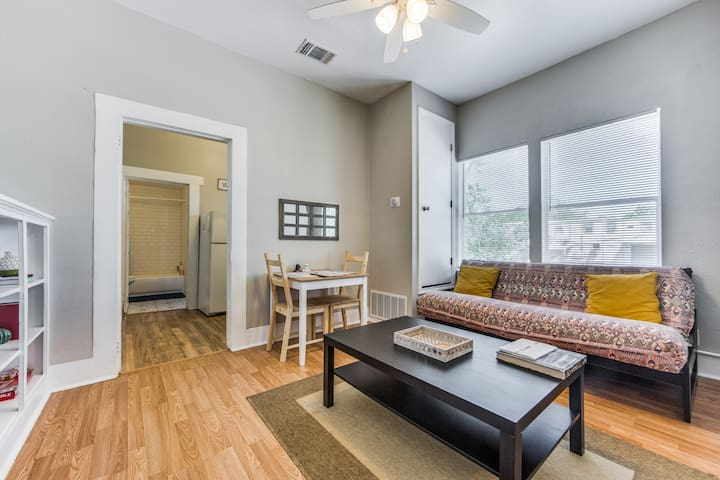 Trendy & Great Location Near Pearl & Downtown!