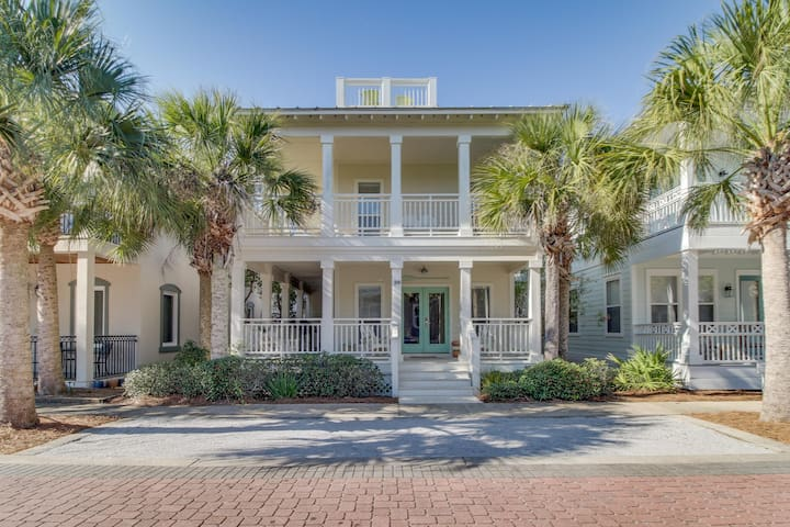 Classic house with shared pools, resort amenities, & prime location
