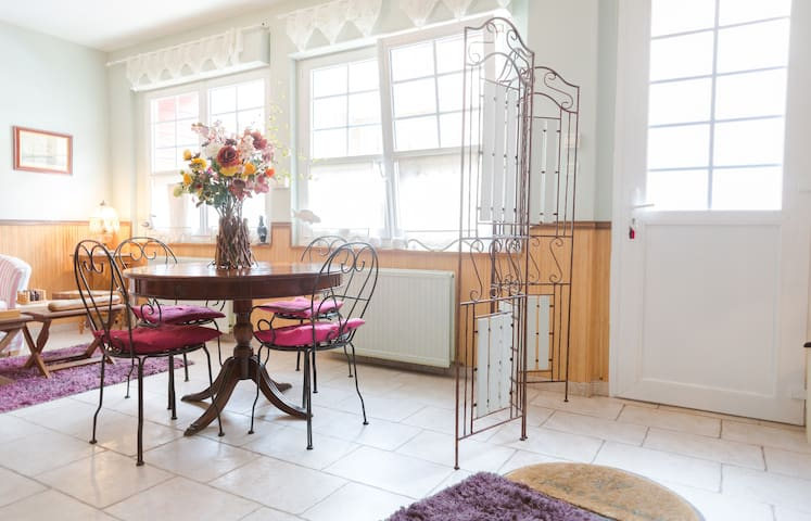 LE PETIT NAVIRE - MER 20 MÈTRES - CHAMBRE ONDINE - Yport - Bed & Breakfast