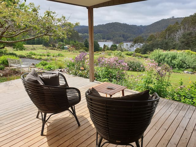 Lakeview Holiday House, Lake Barrington, Tasmania