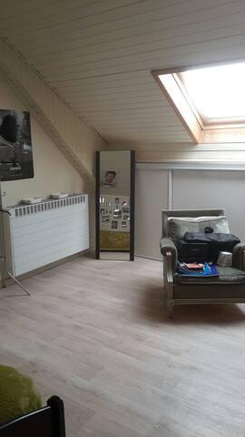 Au Luxemb. ,chambre dans maison privée  à louer