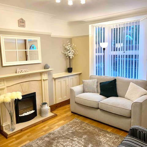 Comfortable 3-bedroom townhouse near Alton Towers