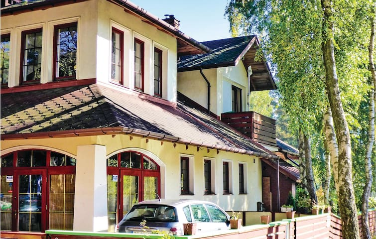 Holiday apartment with 1 bedroom on 60 m² in Dzwirzyno