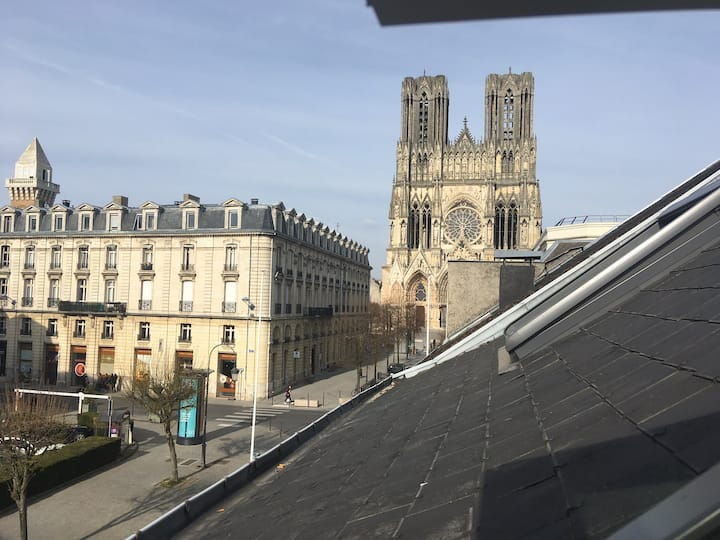 Reims Hyper Centre  Cathédrale  Climatisé