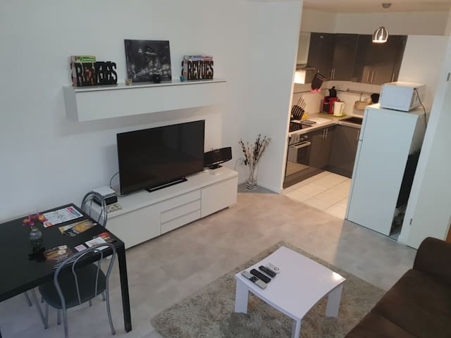 Airbnb Ivry Sur Seine Holiday Rentals Places To Stay