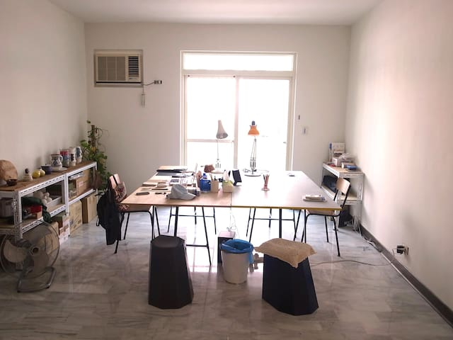 Cosy room in artists' studio Taipei - Beitou District - Departamento