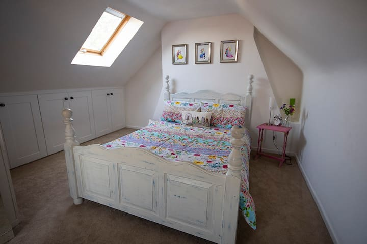 Cosy and homely cottage 2
