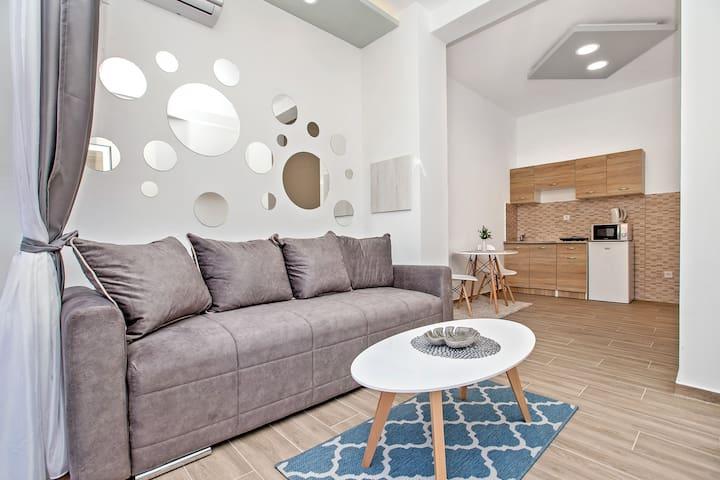 Apartment Nella 2-cozy, bright, with sea-bay view