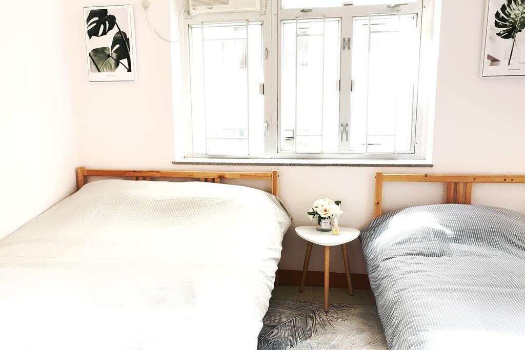 房間- 1張雙人床 & 1張單人床 Bedroom 1 - double bed & single bed