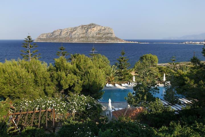 Residence with Sea View C - Monemvasia - บ้าน