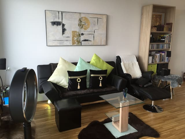 Luxury accommodation with panoramic views from 90m - Wenen - Appartement