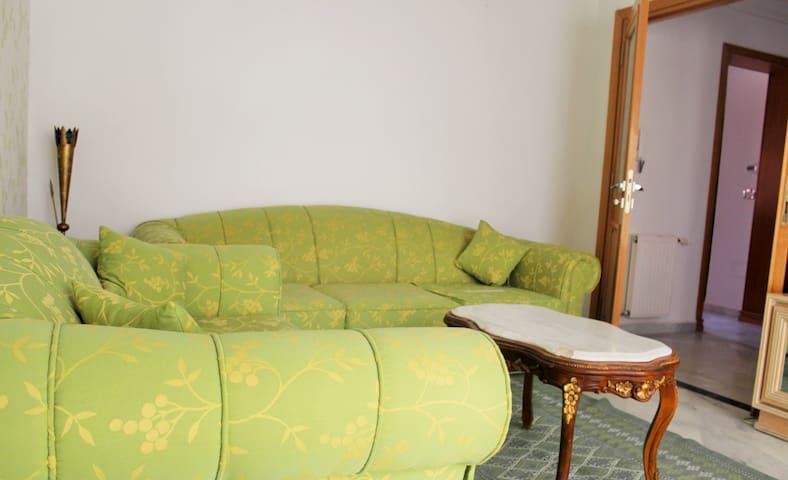 S1 luxueusement meublé au centre urbain Nord