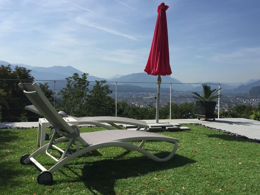 Superbe vue sur Grenoble et les Alpes