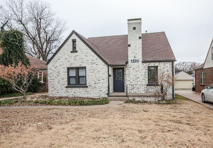 Spacious Midtown Tulsa Bungalow
