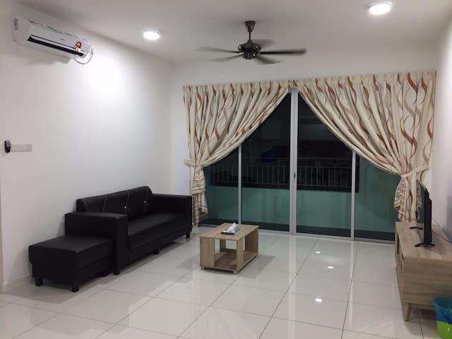 A Cozy Homestay with 3-bedrooms @ Johor Bahru Town - Johor Bahru - Apartamento