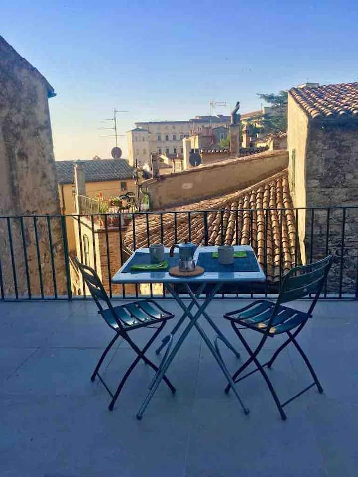 Todi App.t x 4 with splendid panoramic terrace