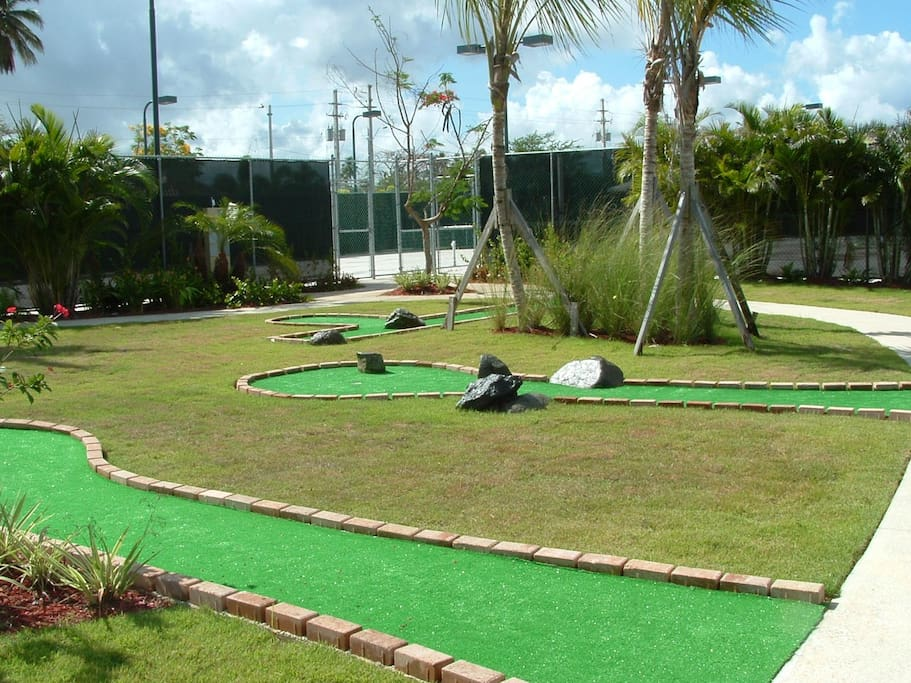 Miniature golf course on site.
