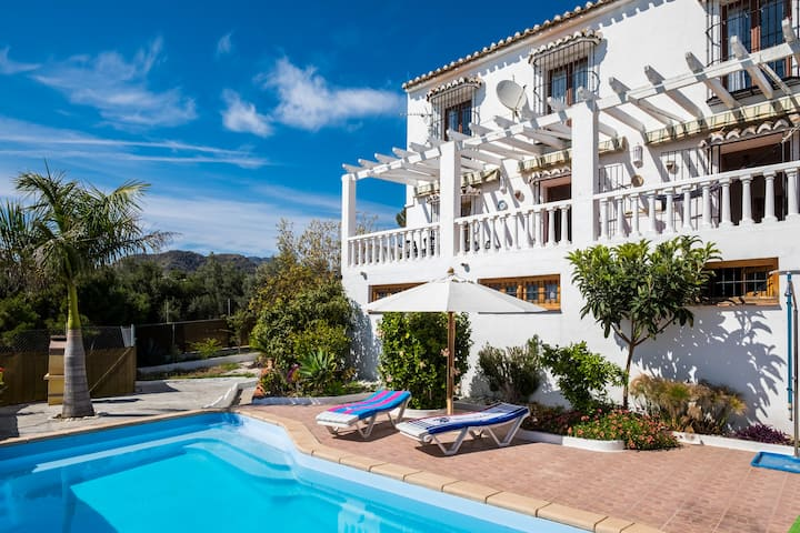 Spanish Villa Narixa, Oceanview