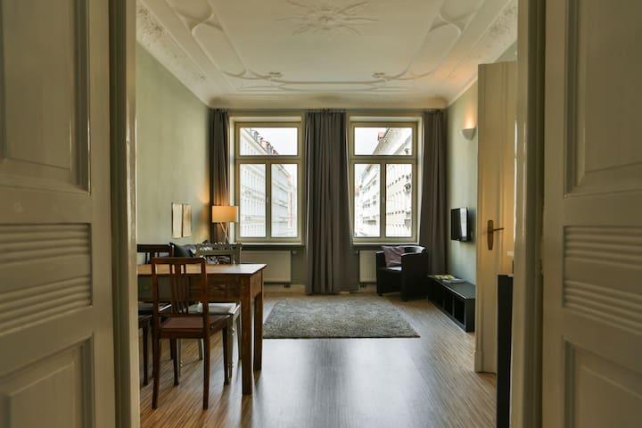 ZeitRaum10 // Apartment Mint